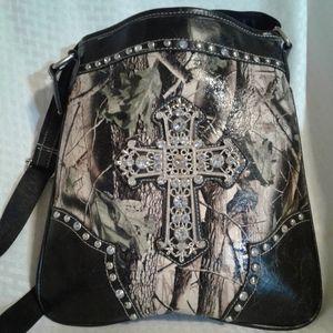 WO Montana West Camo Cross Crossbody Bag